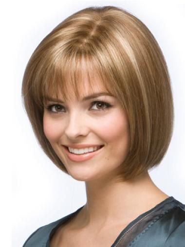 Fashionable Blonde Straight Chin Length Wigs