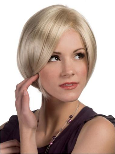 Faddish Blonde Straight Chin Length Bob Wigs