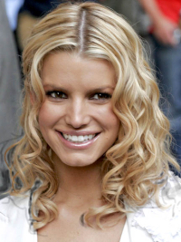 Jessica Simpson stunning shoulder-length layered wavy lace wig about 14 inches